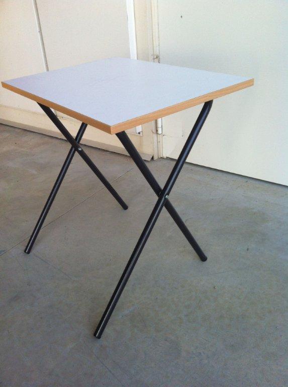 Tavoli e sedie per concorsi danielecroppo for Staffe pieghevoli